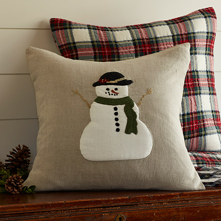 """USA Made NWT Snowman Shaped 12.5/"""" x 18.5/"""" Tapestry Throw Pillow #336"""